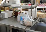 流し台、食器庫などの回収