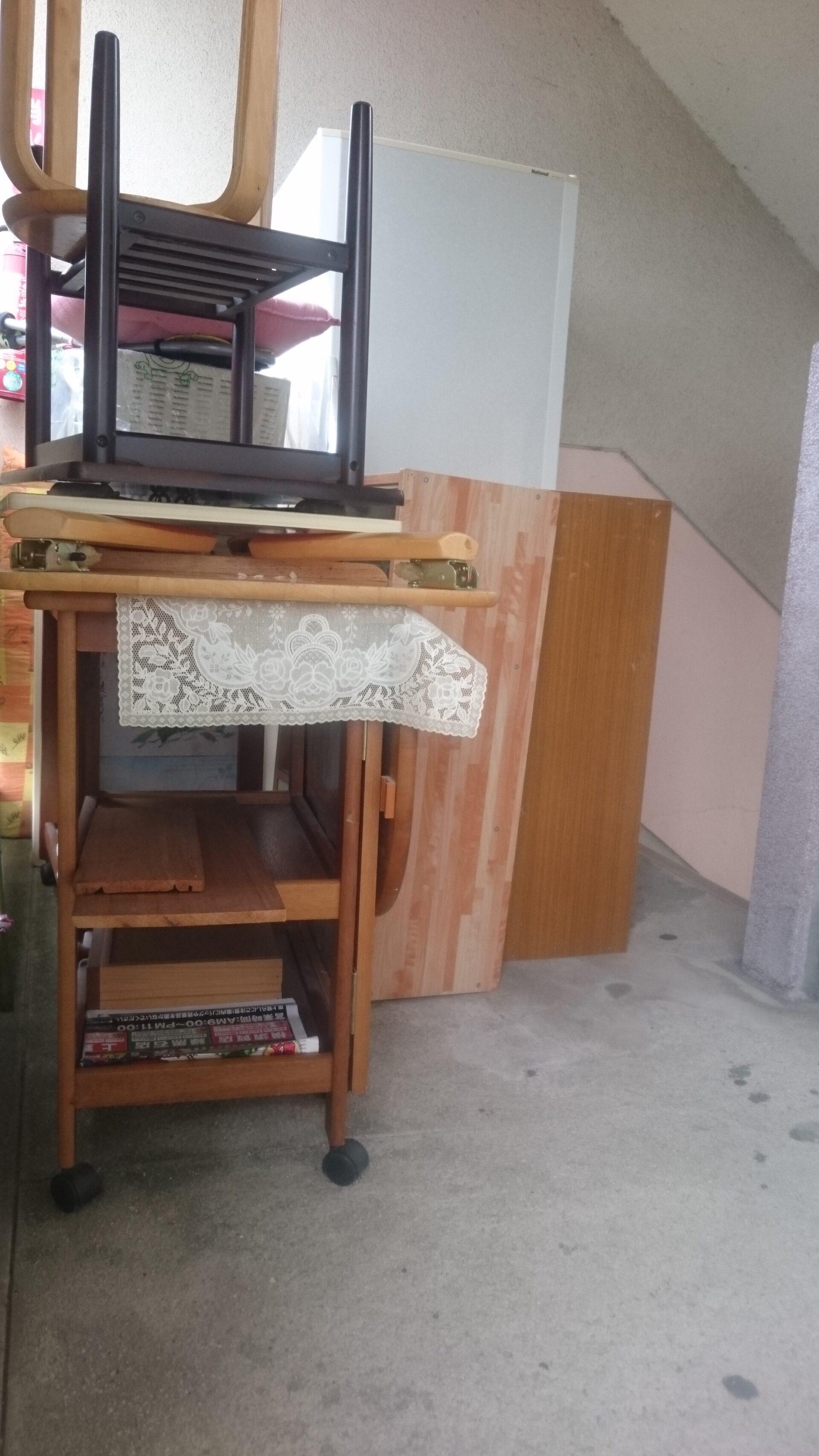 テーブル、イスなど生活用品の回収