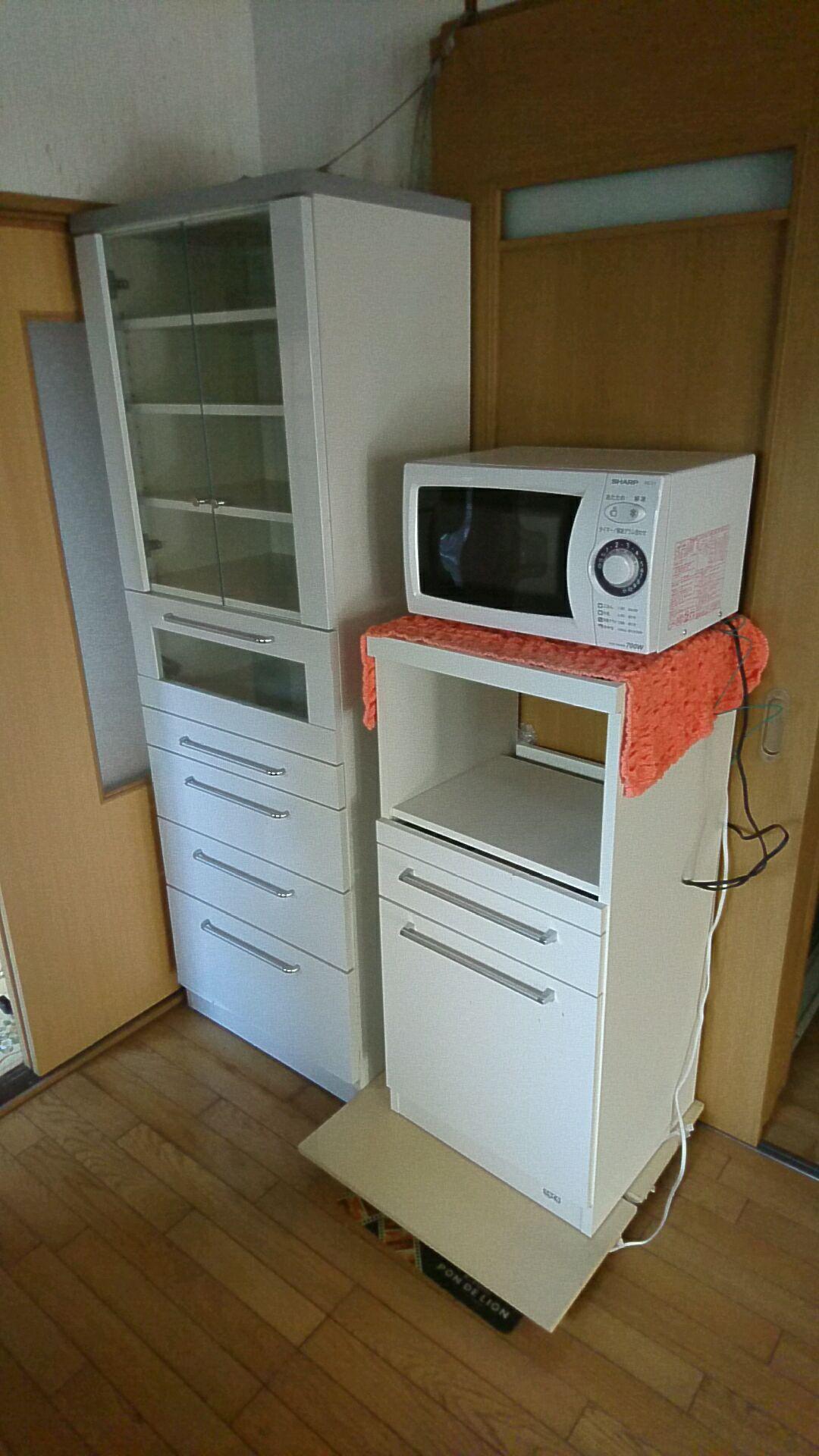 食器棚と電子レンジの処分