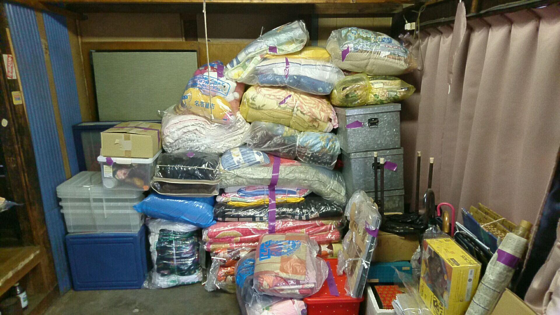 布団や衣装ケース、雑貨等の回収