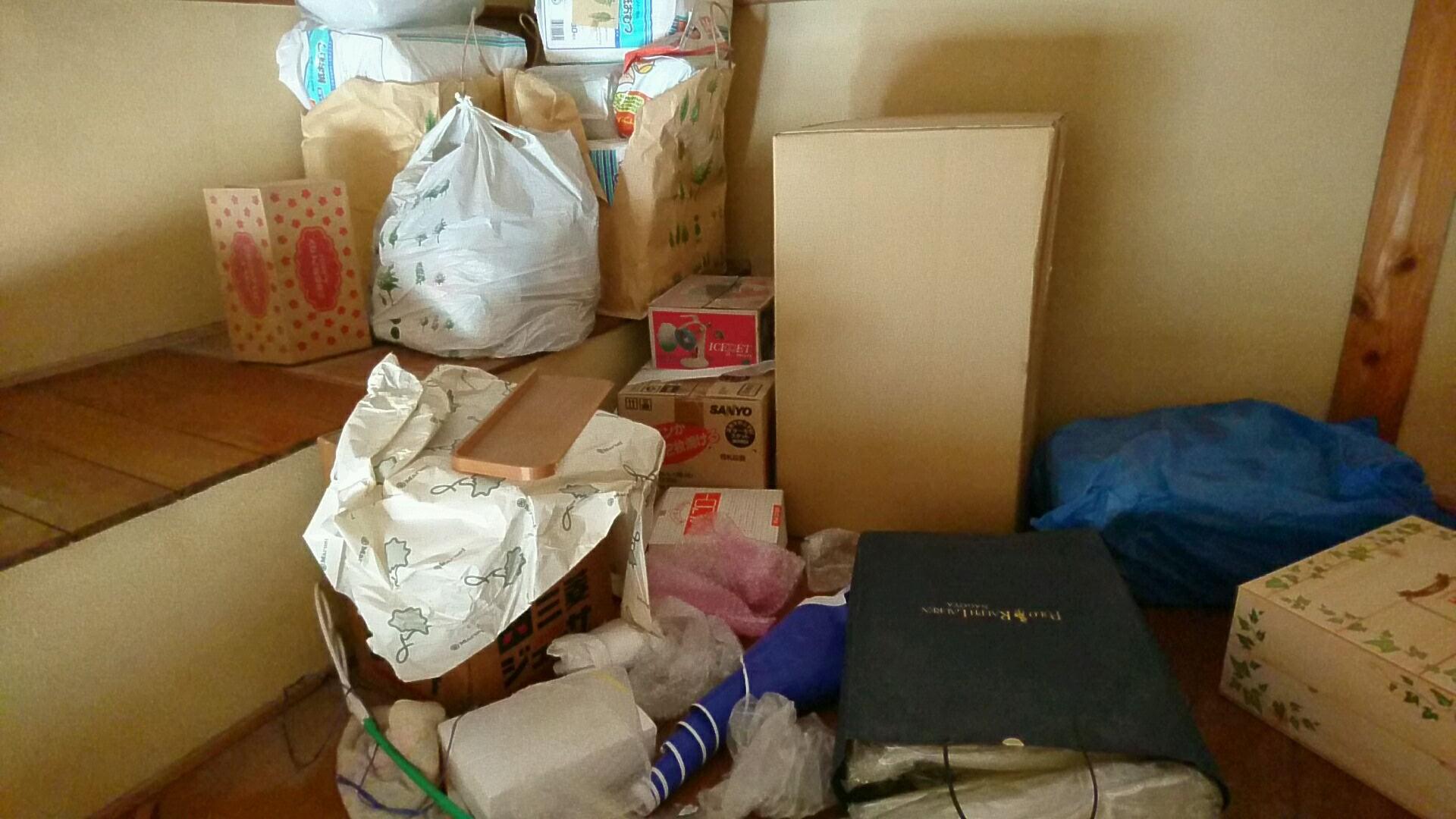 屋根裏部屋にある雑貨等の回収
