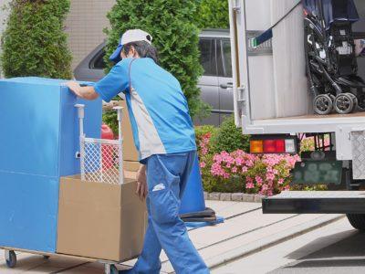 引越し時の不用品の処分は引っ越し業者と不用品回収どっちに依頼すればいいの?