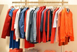 増え続ける洋服をどうにかしたい!クローゼットの効果的な片付け方法