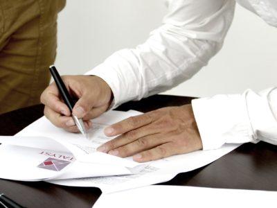 【保存版】不用品回収を依頼するときは契約書のここを見る!
