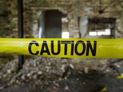 行政代執行で廃墟マンションを解体!空き屋問題、ごみ屋敷問題を解決できる?